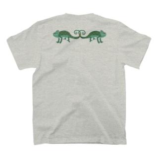 AWZエボシカメレオン(左右対称) T-shirts