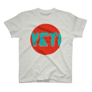 Yeti meets girl 1 T-shirts