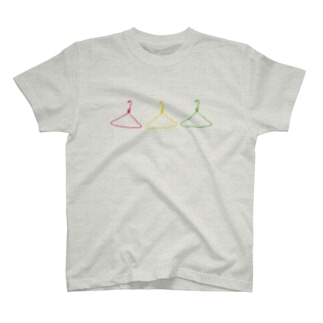 ハンガー3姉妹 T-shirts