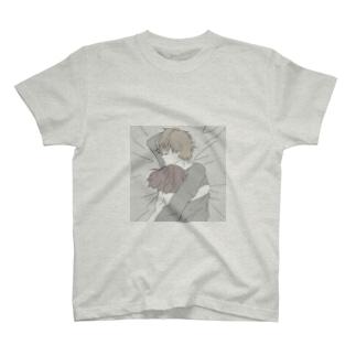 明日のシフトの代わりを探 T-shirts