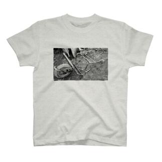 こわれたやつ T-shirts