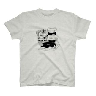 tanka/スイーツとオオサンショウウオ T-shirts