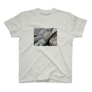 だかれこたつ T-shirts