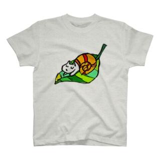 犬カタツムリ T-shirts