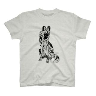 リカオン T-shirts