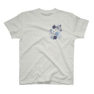 梅と唐草(青) T-shirts