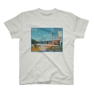 団地 T-shirts