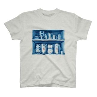 出口えりの昼の戸棚は案外暗い T-Shirt