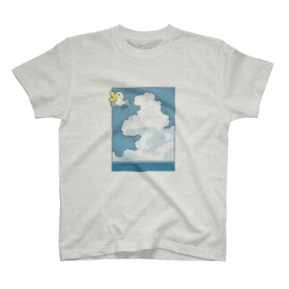 Ahiru can fly in the sky. T-shirts