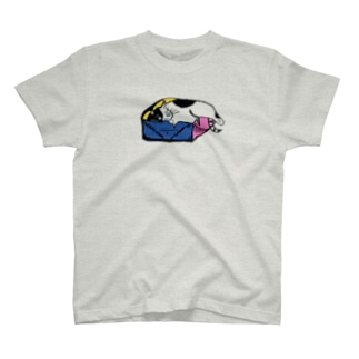 ねこはダンボール箱が好き T-shirts