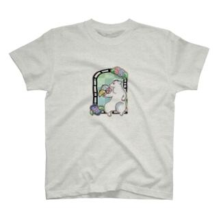 シロクマとあじさいのTシャツ T-shirts