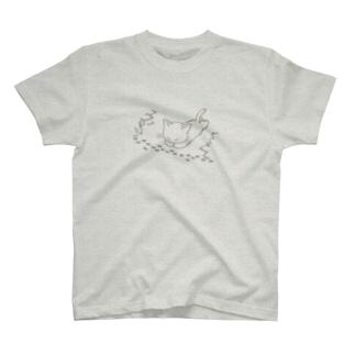 のんびりイラスト商店のアリの行列ねこ T-shirts