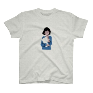 空っぽを抱えた女の子 T-shirts