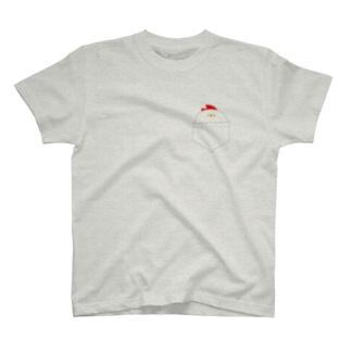ぽっけにはいったにわとり T-shirts