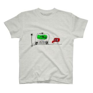 EZ10が実用化されて街を走っているところ T-shirts