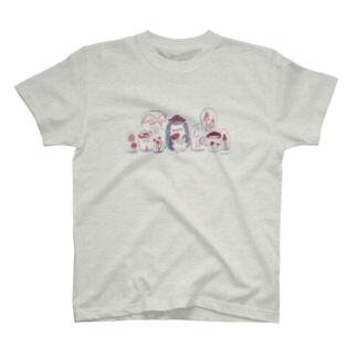 頭にキノコがはえてしまったハリネズミ T-shirts