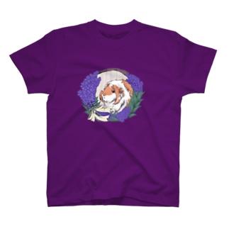 ラベンダーリースとモルモット T-shirts
