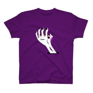 zombie hand Tシャツ