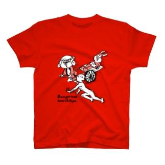 人力車でマネキンから逃げる T-shirts