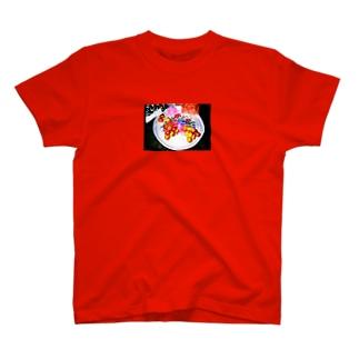 異国の皿と果実 T-shirts