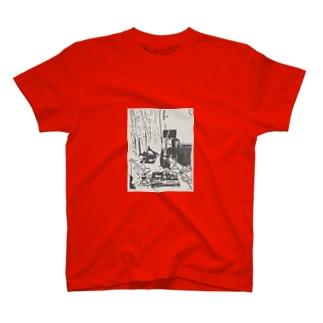 汚部屋 T-shirts