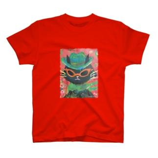 MEGANEKO T-shirts