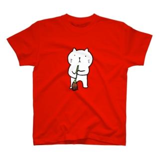 ねこ管理人掃除中 T-shirts