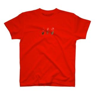 赤のチューリップ T-shirts
