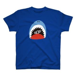ニキータ イン ザ シャーク T-shirts