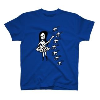 ベースガール T-shirts