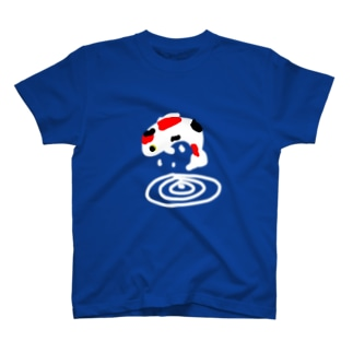 跳ねる錦鯉 T-shirts