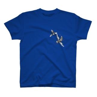 オオスズメバチ vs コガタスズメバチ T-shirts