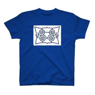 アイヌ文様 母鳥とヒナ T-shirts