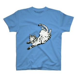 仰向けサバトラさん T-shirts