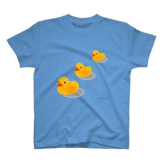 お風呂のアヒル T-shirts