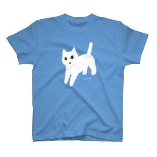 オッドアイな白ネコちゃん T-shirts