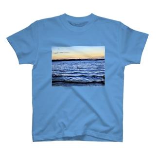 産まれたてのたまご016 T-shirts