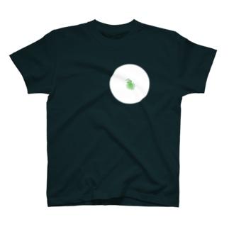 ももろ の顕微鏡下のミジンコ T-shirts