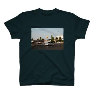 タイのマック 濃いめ色 T-shirts