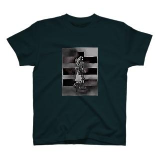 tea-maのデジタリアンGモノクローム T-shirts