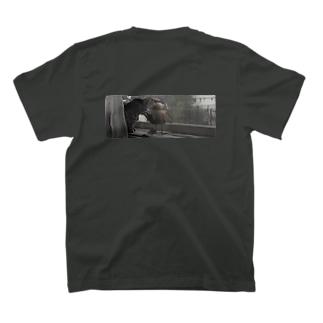 ガン見 T-shirts