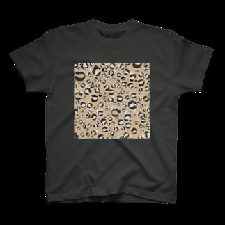 イラストレーター yasijunのひょう柄猫ちゃんベージュ T-shirts
