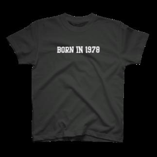 【GethT_ヂェスティ】の店のBORNin1978 T-shirts