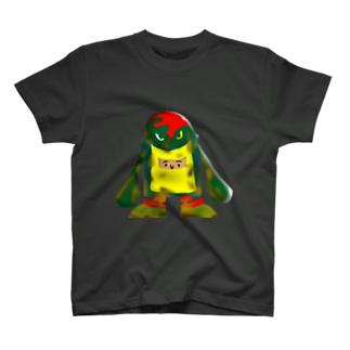 誰か見てるぞT T-shirts