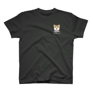 秋田犬 T-shirts