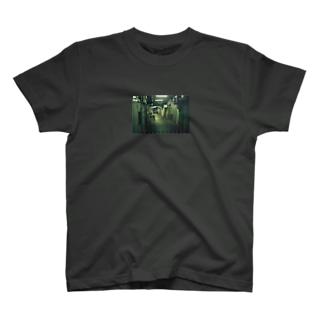 路地 T-shirts