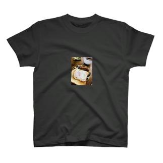 あと少しで映えるを掴みかけた朝食。 T-shirts