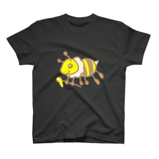 蜂蜜採取!ミツバチさん T-shirts