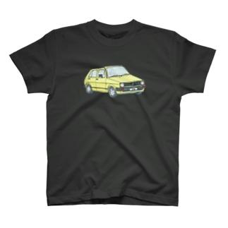 黄色い車 T-shirts
