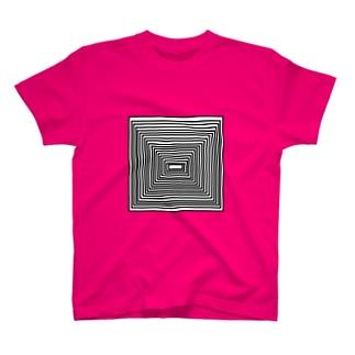 ピラミッド模様 T-shirts